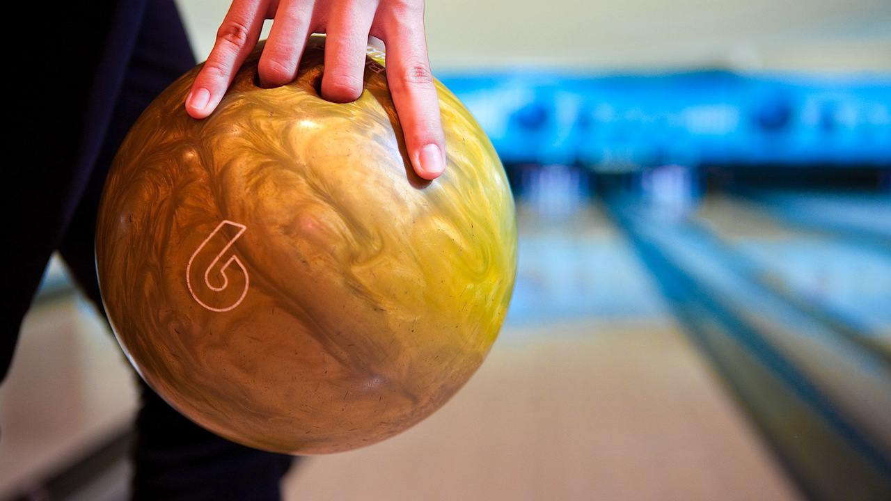 How to Grip the Ball to Bowl Offspin recommendations